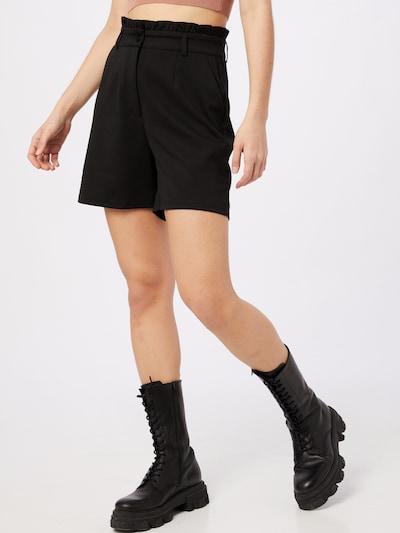 ICHI Shorts in schwarz, Modelansicht