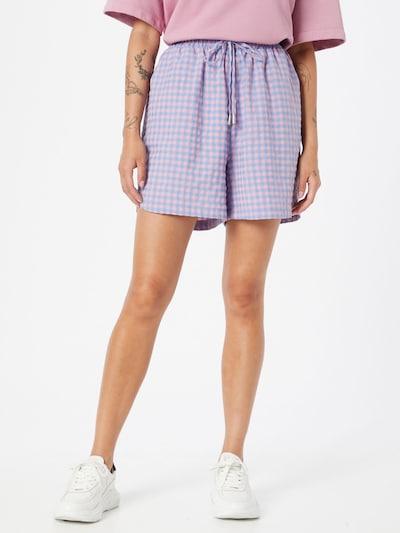Pantaloni 'EZZA' SISTERS POINT pe albastru deschis / roz, Vizualizare model