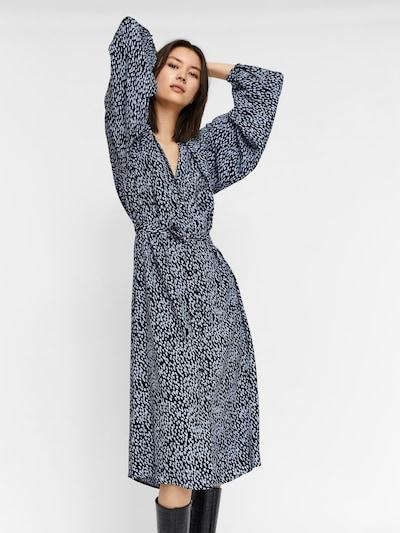 VERO MODA Košilové šaty 'Tania' - chladná modrá / černá, Model/ka