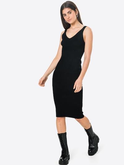 NÜMPH Jurk 'CERYS' in de kleur Zwart, Modelweergave