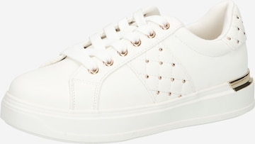 NEW LOOK Sneakers in White