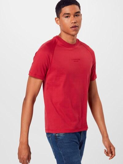 Calvin Klein Majica | rdeča barva: Frontalni pogled