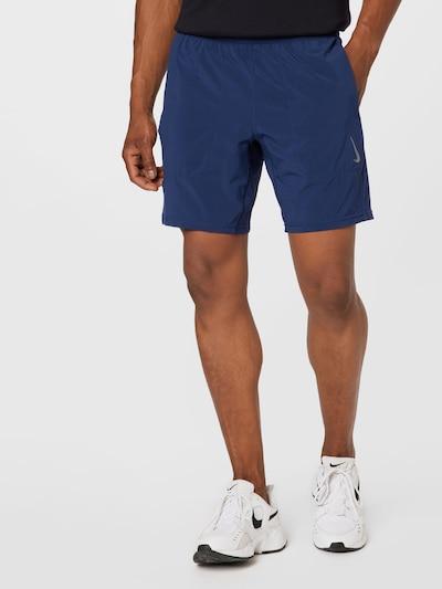 Sportinės kelnės iš NIKE, spalva – tamsiai mėlyna, Modelio vaizdas