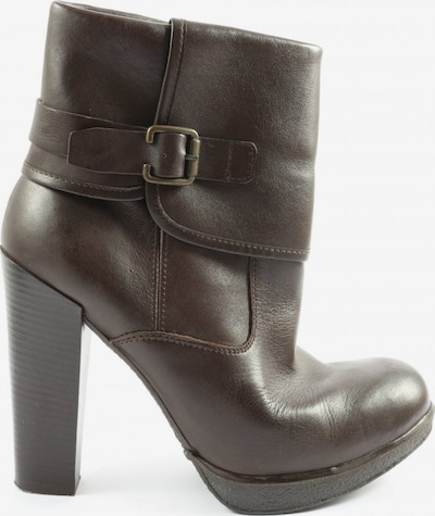 Bata Dress Boots in 39 in Brown, Item view
