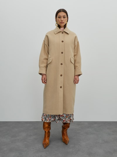 EDITED Tussenmantel 'Marianne' in de kleur Beige, Modelweergave