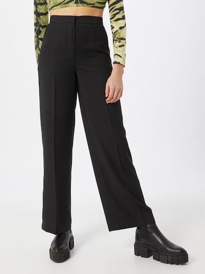 Pantaloni con piega frontale NA-KD di colore nero, Visualizzazione modelli