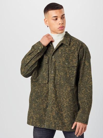 LEVI'S Prijelazna jakna 'HAYES OVERSIZED OVRSHRT' u maslinasta, Prikaz modela