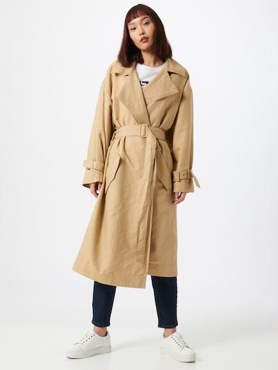 LEVI'S Manteau mi-saison 'MIKO' en beige, Vue avec modèle