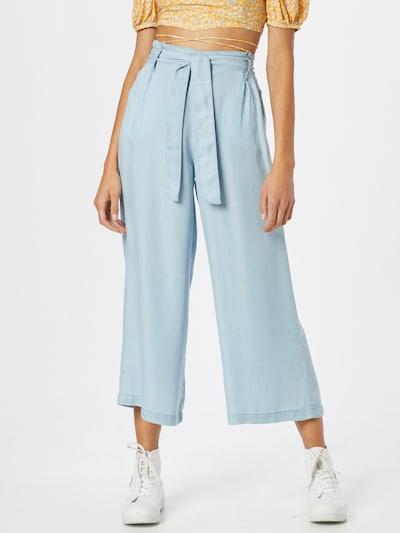 Tally Weijl Pleat-Front Pants in Light blue, View model