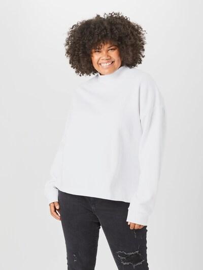Urban Classics Sweatshirt i vit, På modell