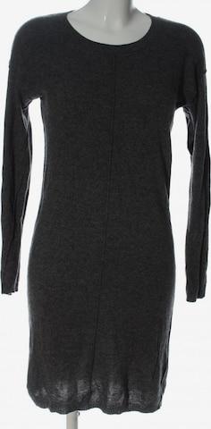 DELICATELOVE Dress in M in Grey
