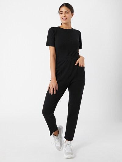 Missguided Jumpsuit in schwarz, Modelansicht