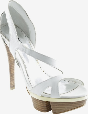 bebe Sandals & High-Heeled Sandals in 38 in White