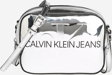 Geantă de umăr de la Calvin Klein Jeans pe argintiu