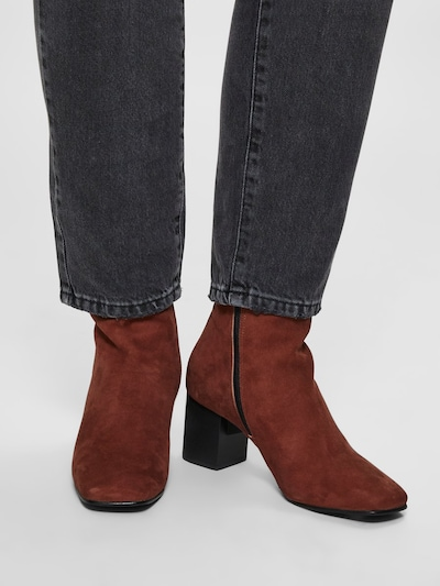 SELECTED FEMME Stiefelette 'Zoey' in dunkelbraun: Frontalansicht