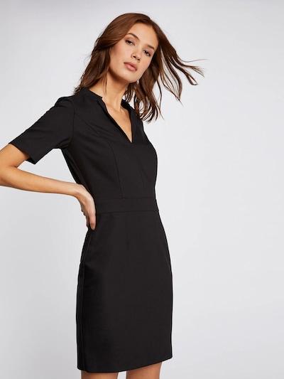 Morgan Pouzdrové šaty - černá, Model/ka