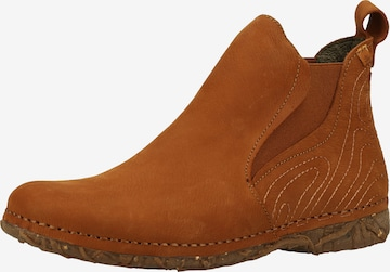 EL NATURALISTA Boots in Braun