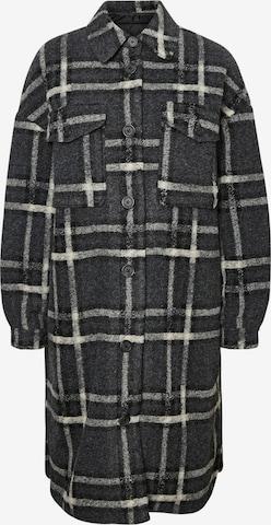 VERO MODA Mantel 'Chrissiequilt' in Grey