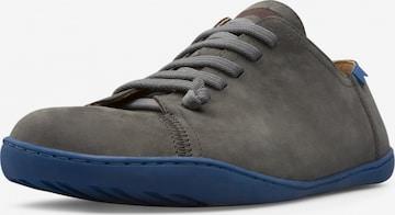 Baskets basses 'Peu Cami' CAMPER en gris