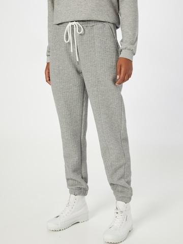 Pantaloni di Q/S by s.Oliver in grigio