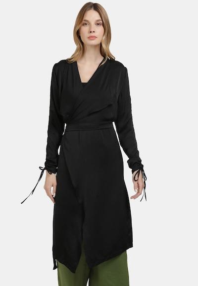 Usha Sommermantel in schwarz, Modelansicht