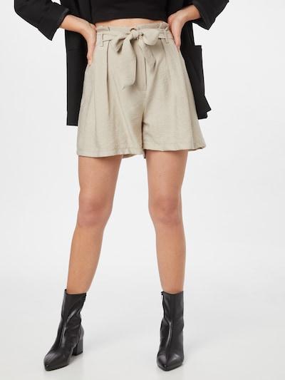 Trendyol Shorts in beige, Modelansicht