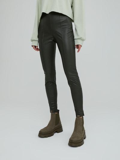EDITED Κολάν 'Teresa' σε πράσινο, Άποψη μοντέλου