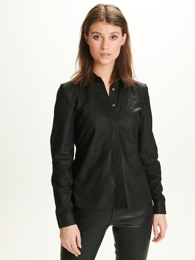 Notyz Blouse 'Jessica' in de kleur Zwart, Modelweergave