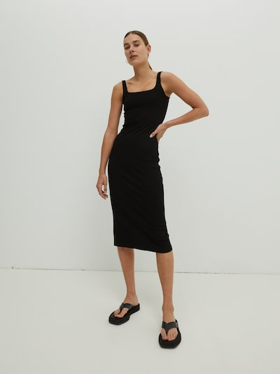 Rochie tricotat 'Quinn' EDITED pe negru, Vizualizare model