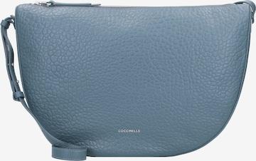 Coccinelle Umhängetasche 'Lea' in Blau