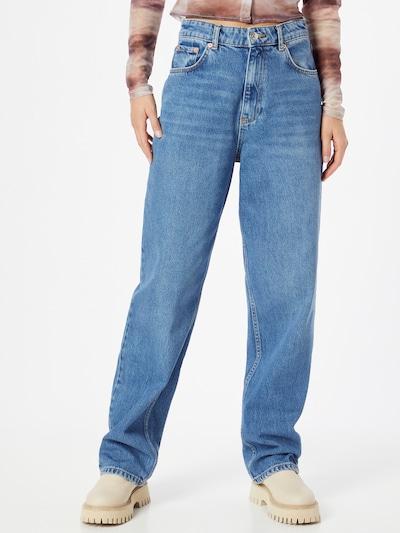 Gina Tricot Jean '90s' en bleu denim, Vue avec modèle