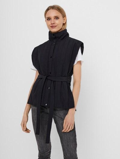 VERO MODA Vesta 'Roxy' - černá, Model/ka