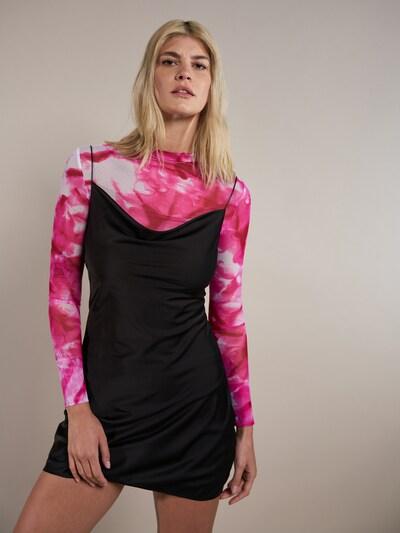 ABOUT YOU x Laura Giurcanu Jurk 'Kayra' in de kleur Zwart, Modelweergave