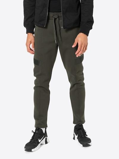 G-Star RAW Byxa 'Lanc' i mörkgrön, På modell