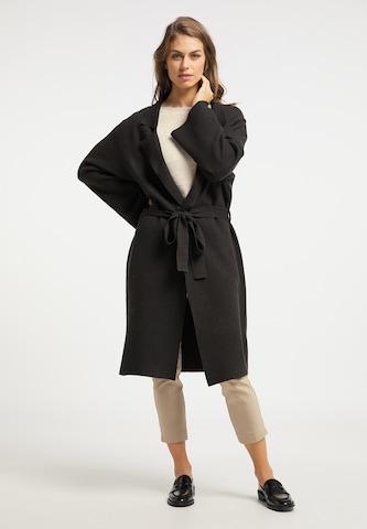 Manteau en tricot Usha en noir