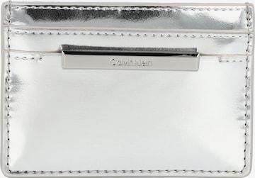 Calvin Klein Portemonnaie in Silber