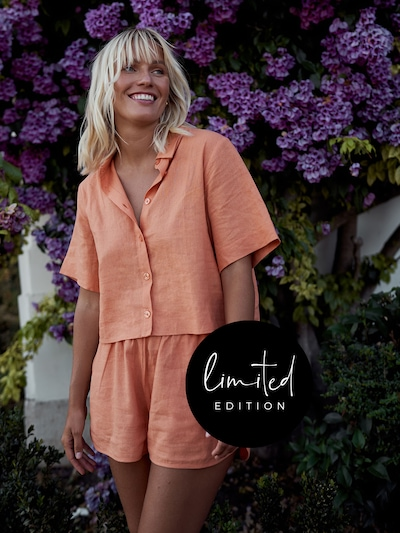 ABOUT YOU Limited Shorts 'Elfi' by Janine Jahnke in orange, Modelansicht