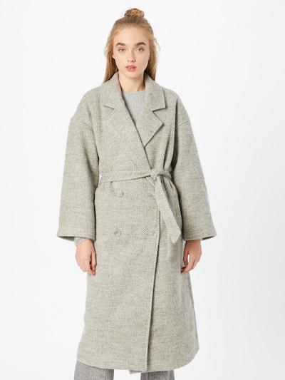 OBJECT Between-Seasons Coat 'Joyce' in Light grey, View model