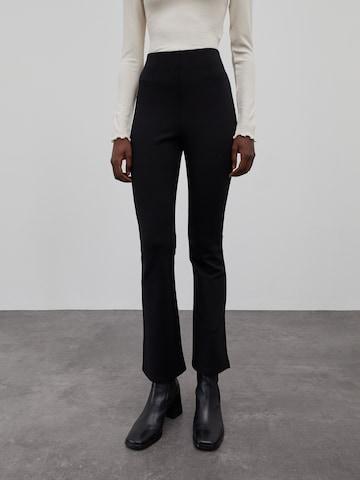 Pantaloni 'Bridget' di EDITED in nero