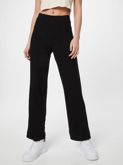 Gina Tricot Hlače 'Alicia' u crna, Prikaz modela