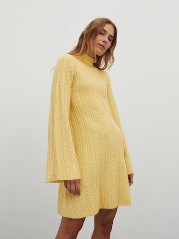 EDITED Gebreide jurk 'Madalyn' in Geel