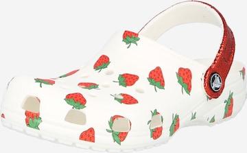 Sandale de la Crocs pe alb
