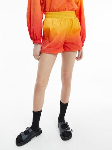 Calvin Klein Jeans Shorts in Gelb
