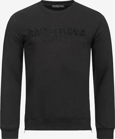 Redbridge Pullover mit 3D Flockdruck & Stickerei in schwarz: Frontalansicht