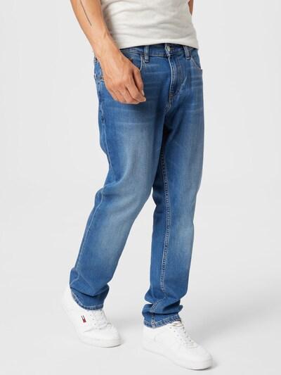 Tommy Jeans Jeans 'RYAN' in blue denim, Modelansicht