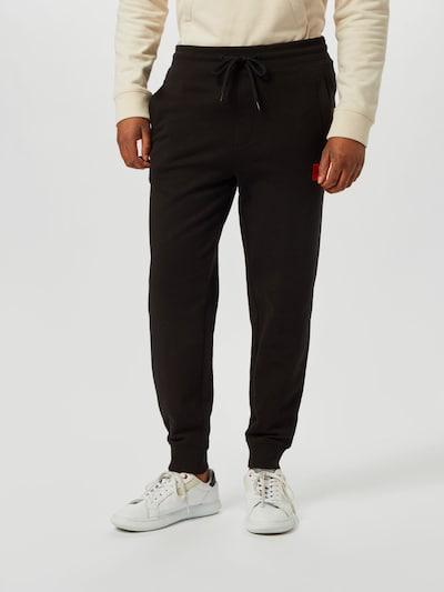 HUGO Spodnie 'Doak' w kolorze czarnym, Podgląd na modelu(-ce)