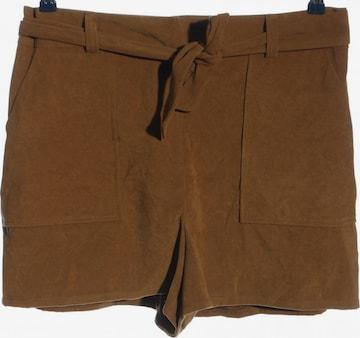 Miss Selfridge Shorts in XXL in Brown
