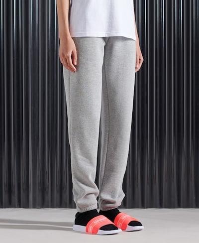 Superdry Jogginghose in grau, Modelansicht