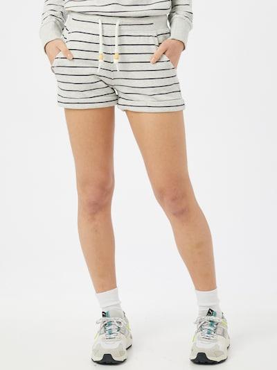 Ragwear Shorts 'NORAH' in schwarz / weiß, Modelansicht