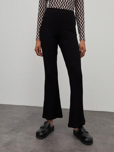 EDITED Hose 'Benni' in schwarz, Modelansicht